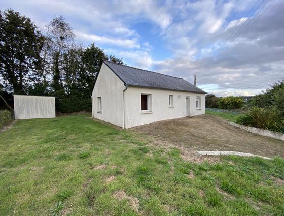 PAIMPOL Petite maison avec jardinet