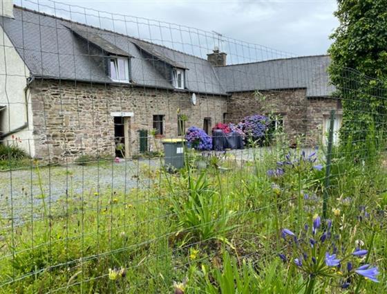 Maison Pierre divisée en 4 logements